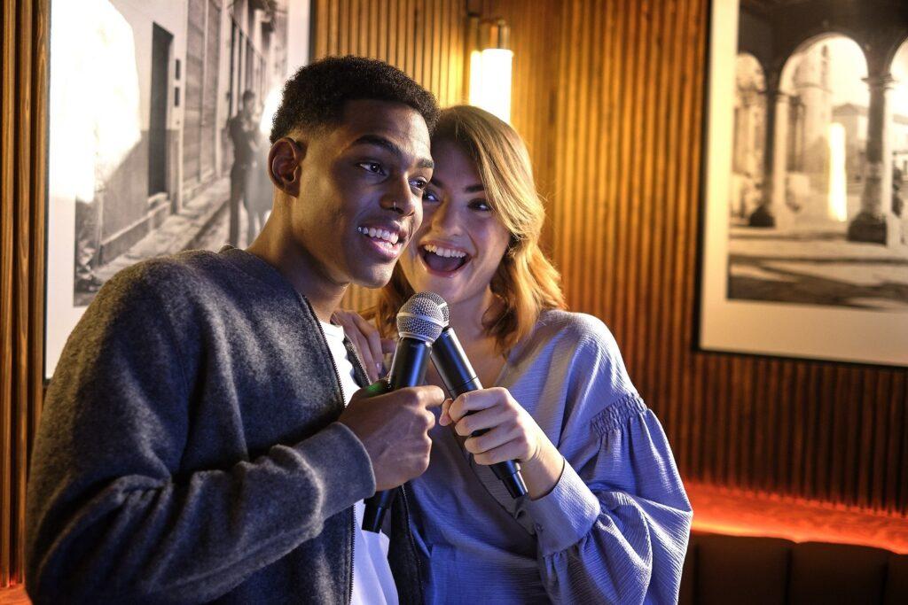 planes-en-pareja-karaoke